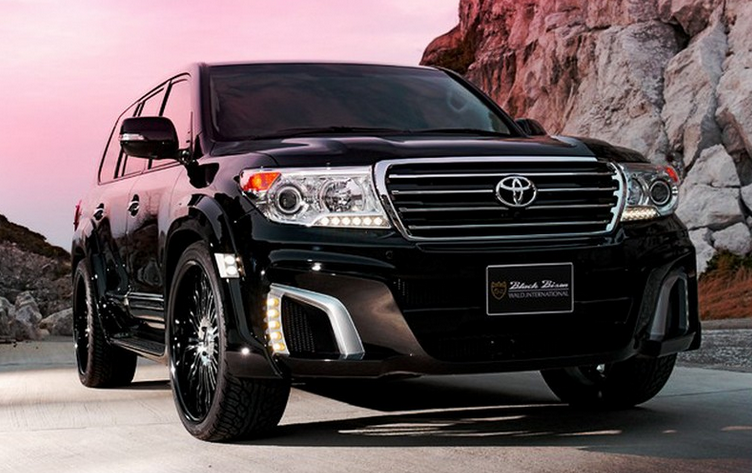 2015 toyota land cruiser compared to the 2015 toyota sequoia shop for a toyota in houston. Black Bedroom Furniture Sets. Home Design Ideas