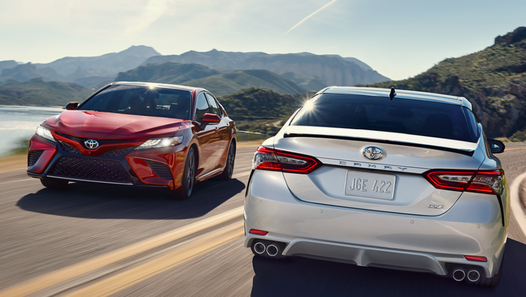 2018 Toyota Camry Red and Silver